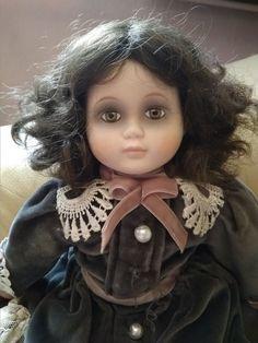 Porcelain doll Wupper WEV german doll  girl goth gothic elegant creepy cute