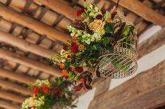rustic wedding - set design by Ideiaria - Tetê Motta casamento rústico no campo - cenografia por Ideiaria - Tetê Motta - detalhe entrada recepção - arranjos: Flora de Serie - foto: julia lanari 2015