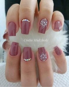 Paola Chaves Online Nail Art Course - Com Certificado - Unhas - Lace Nails, Rhinestone Nails, Gem Nails, Pink Nails, Perfect Nails, Gorgeous Nails, November Nails, November 2019, Finger Nail Art