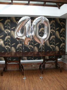 Ideas birthday party table decorations for men balloons 40th Party Ideas, Birthday Party Table Decorations, Birthday Party Tables, 40th Birthday Parties, Decoration Party, Birthday Recipes, Birthday Celebration, Birthday Wishes, 40th Birthday Balloons