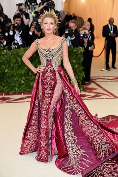 https://www.huffingtonpost.com/entry/met-gala-2018-red-carpet-looks_us_5af0e3bae4b0c4f19325efaa Blake Lively