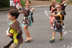 Star Wars birthday party games - Emperor's Electricity fight with blue silly string