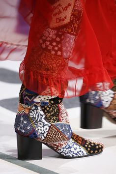 Christian Dior Fall 2018 Ready-to-Wear Fashion Show Dior Boots Trending Dior - Dior Boots - Trending Dior Boots. - Christian Dior Fall 2018 Ready-to-Wear Fashion Show Dior Boots Trending Dior Boots. Christian Dior Fall 2018 Ready-to-Wear Collection Vogue Christian Dior, Women's Shoes, Me Too Shoes, Platform Shoes, Luxury Brands List, Yellow Shoes Womens, Luxury Brand Names, Fashion Week 2018, Fashion Details