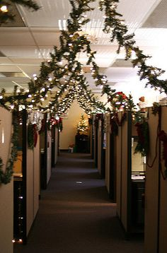 cubicle christmas in trying to win a decorating contest m flickr