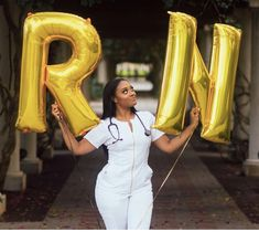 MA balloons instead of RN - Graduation pictures,high school Graduation,Graduation party ideas,Graduation balloons Nursing Graduation Pictures, Nursing School Graduation, Nursing School Tips, Grad Pics, Graduate School, Nursing Schools, Nursing Pictures, Graduation Ideas, Nursing Goals