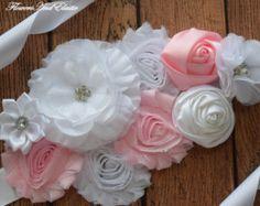 Flores marco rosa claro y marfil faja por FlowersAndElastic en Etsy