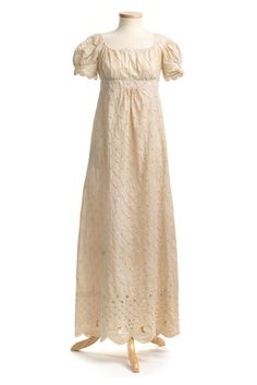 Sprigged cotton dress, 1810s (by Charleston Museum)