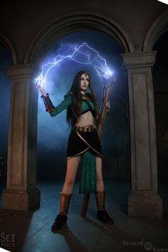 Sorceress from Diablo II Cosplay Diablo Cosplay, Diablo Ii, Necromancer, Amazing Cosplay, Bodysuit, Wonder Woman, Princess Zelda, The Incredibles, Superhero