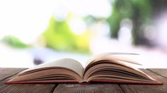 10 Entrepreneurial Must-Read Books to Kick Off Your Summing Reading List