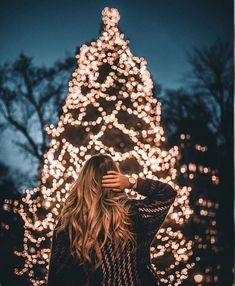 23 Trendy Holiday Pictures To Take Holiday Pictures, Christmas Photos, Winter Christmas, Christmas Trees, Tumblr Christmas Pictures, Christmas Tree Tumblr, Christmas Portraits, Holiday Ideas, Merry Christmas