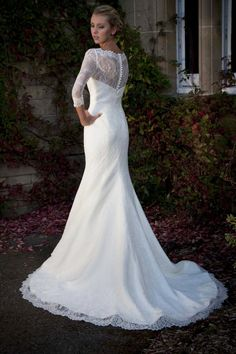 A Beautiful fishtail dress with silk lace by Augusta Jones.