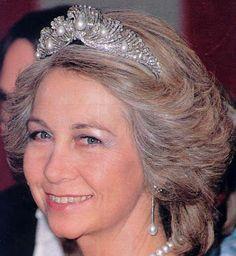 Tiara Mania: Shell Tiara worn by Queen Sofia of Spain