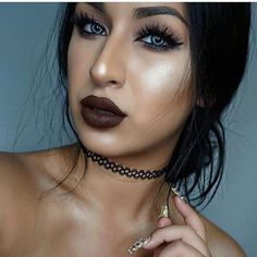 How gorgeous is this sultry play on a goth style?! It's really goth turned #vixen! #MUA #kawaii #kawaiigirl #makeup #beauty #まつげ #속눈썹 #pestañas #eyelashes