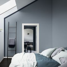 Is To Me | Interior inspiration: blue and white bedroom