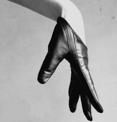 Gloves As A Fashion Accessory – Love It And Glove It - Stylebeans Dark Fantasy, Organization Xiii, Yennefer Of Vengerberg, Allison Argent, Trigger Happy Havoc, The Evil Within, House On A Hill, Character Aesthetic, Catwoman