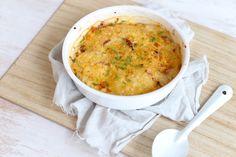 Op zoek naar een lekker recept voor aardappelgratin? Wat dacht je van deze aardappelgratin met spek en ui? Super lekker en simpel om te maken!