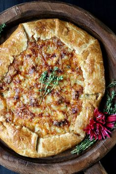 A stunning side-dish for any Thanksgiving table, Sweet Onion Galette w/ Fontina & Thyme has ingredients and takes only an hour to bake. Milk Recipes, Veggie Recipes, Appetizer Recipes, Vegetarian Recipes, Dinner Recipes, Cooking Recipes, Appetizers, Quiches, Thanksgiving Recipes