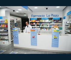 Últimos proyectos realizados. Líder en diseño y reforma de farmacias. Apotheka Shop Counter Design, Pharmacy Store, Cosmetic Shop, Clinic Design, Farm Shop, Ceiling Design, Retail Design, Store Design, Shelving