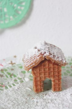Cookie houses for your cup.