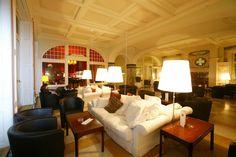 Hotel Schatzalp, im Hintergrund die Piano Bar Piano Bar, Best Hotels, Restaurants, Couch, Holidays, Nice, Furniture, Home Decor, Sofa