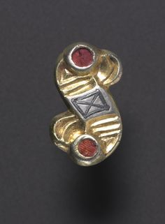 S-Shaped Fibula | Cleveland Museum of Art S-Shaped Fibula, 500s Alemannic, 6th century silver gilt with garnets and niello,