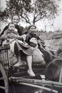 las Ernest Hemingway, Couple Photos, Couples, Robert Capa, Budapest Hungary, Life Magazine, War Photography, Portraits, Fotografia