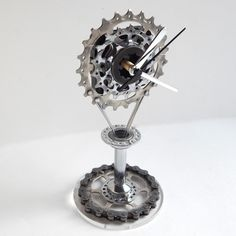 Recycled bike gear & hub clock by ReCycle & BiCycle