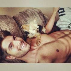 Model Nick Bateman with his dog Joey on a day off in Oct 2013 via Twitter @itsnickbateman