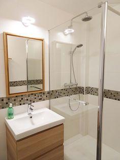 © Sandrine Carré - Décoratrice www. Wood Bathroom, Bathroom Interior, Bathroom Lighting, Light Bathroom, Best Bathroom Designs, Shower Screen, Vanity Units, Walk In Shower, Bathroom Renovations