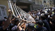 Lesados do BES marcam nova manifestação e desta vez participam emigrantes - Povo Português : Compareçam em massa !