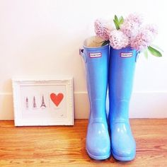 Want some rain boots and I like these!