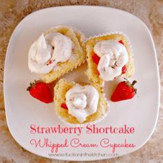 #SUNDAYSUPPER STRAWBERRY SHORTCAKE WHIPPED CREAM CUPCAKES