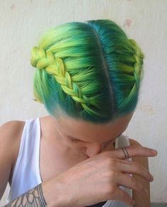 Always wanted to pull that green color on your hair? Then check out these 25 green hair color ideas and get inspired! Pretty Hairstyles, Braided Hairstyles, Updo Hairstyle, Braided Updo, 5 Braid, Wedding Hairstyles, Latest Hairstyles, Green Hair Colors, Short Pixie Haircuts