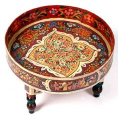 Mesa de té marroquí de madera pintada a mano con patas torneadas color rojo Marquetry, Moroccan, Medieval, Arts And Crafts, Tropical, Woodworking, Wood Work, Middle East, Colonial