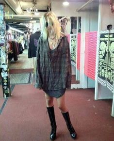 Taylor Momsen actress model and music Taylor Momsen Style, Taylor Michel Momsen, Taylor Momson, Jenny Humphrey, Grunge Outfits, Gossip Girl, Cool Outfits, Style Inspiration, Character Inspiration