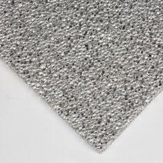 PLANCHA DE ESPUMA DE ALUMINIO La Plancha de espuma de Aluminio ofrece un aspecto atractivo y unas propiedades únicas que la convierten en un material innovador para múltiples y sorprendentes aplicaciones como la decoración de interiores, la fabricación de paneles de alta resistencia, el embalaje o los separadores para baterías. Disponible en varios grosores.  #AluminiumFoam #EspumadeAluminio #AluminioEspumado #PlanchadeEspumadeAluminio Rugs, Home Decor, Aluminium Foil, Packaging, Planks, Innovative Products, Diy, Budget, Farmhouse Rugs