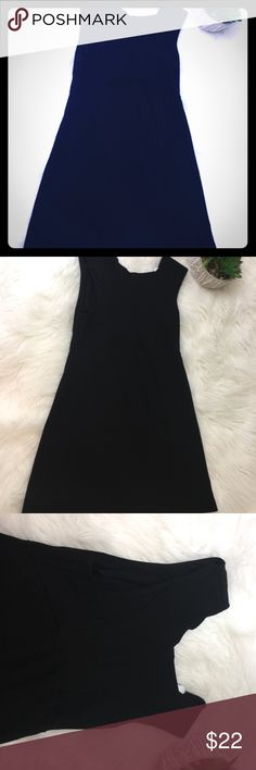 "Women's Zara black Sleeveless dress medium Women's Zara black medium dress size medium Sleeveless length 29"" armpit to armpit 14"" dress has stitching that is loose in the back that needs to be sewn together Zara Dresses Midi"