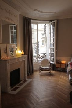 paris apartment ~ Floor*Windows*FIreplace love
