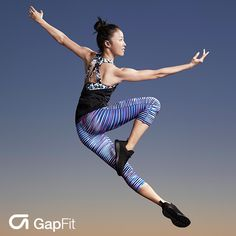 Maximize your routine in comfort, flexibility and style with GFast print capris. Moisture wicking and four-way stretch technology helps amplify your workout.