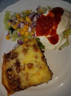 DAMER-for faen – Gro lager taco i form. Calzone, Lchf, Quiche, Tacos, Pizza, Baking, Breakfast, Food, Morning Coffee