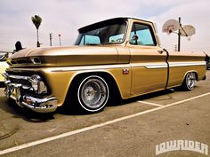 Street Source Magazine | Lowrider Magazine March 2013 Monte Car Low Tanks Amptails Street Cred