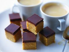 Crumbly peanut butter squares