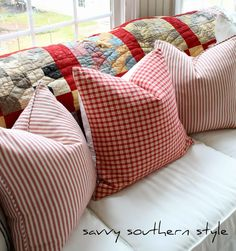 Small Pillows, Throw Pillows, Country Living Fair, Savvy Southern Style, Old Quilts, Pattern Mixing, Cottage Style, Country Decor, Diy Home Decor
