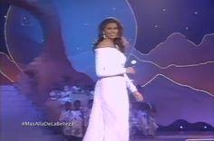 Denise Floreano - Miss Venezuela, dentro del Top de Semifinalistas en su Desfile en Traje de Gala, en el Miss Universe 1995 by Antoni Azocar