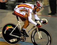 Joan Llaneras - Cycling ~ Track - Beijing Olympics 2008 & Sydney Olympics 2000 - Mens Points Race Beijing Olympics, Spanish People, Olympic Champion, Summer Dream, Sydney, Cycling, Track, Action