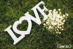 Toda cerimônia merece uma decoração especial. Use letras decorativas para dizer qual é o seu sentimento.