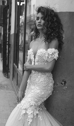 Wedding Dress Inspiration – Julie Vino – MODwedding Courtesy of Julie Vino Wedding Dresses; Bridal Gowns, Wedding Gowns, Curly Wedding Hair, Wedding Curls, Bridal Hair, Mod Wedding, Wedding Ring, Summer Wedding, Boho Wedding Dress