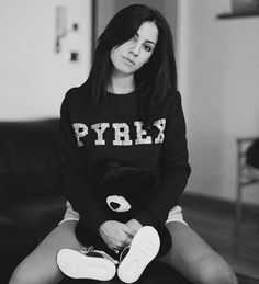 GIULIA DE LELLIS #new #collection #pyrex #pyrexoriginal #fallwinter16 #sweatshirt #nothingbetter #streetstyle #giuliadelellis #wearingpyrex #pyrexstyle