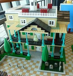 The Haunted Mansion in Legos!