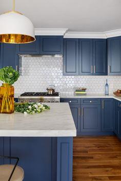 Blue Kitchen Designs, Kitchen Room Design, Kitchen Cabinet Design, Kitchen Redo, Modern Kitchen Design, Home Decor Kitchen, Kitchen Living, Interior Design Kitchen, Home Kitchens